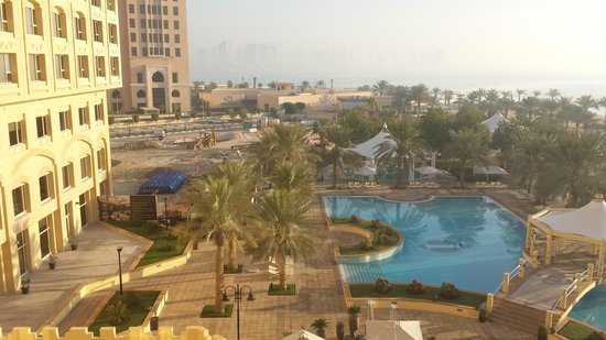 InterContinental Doha: pools and hotel exterior