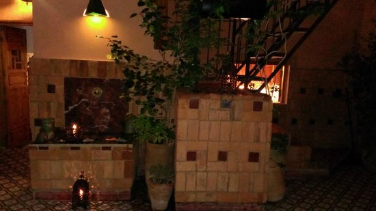 Maison Mnabha: second floor courtyard