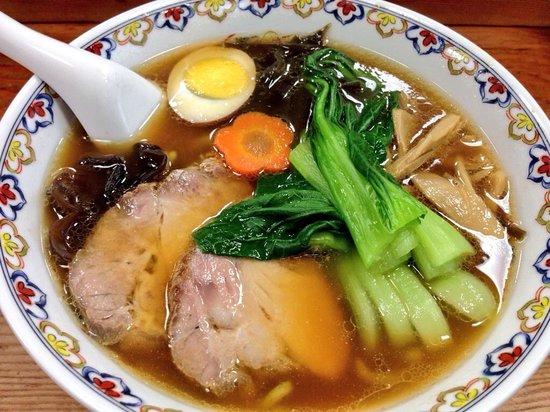 Naniya: ラーメンとは違う伝統の『翡翠麺』を再現(*^_^*)