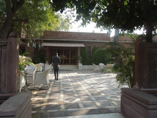 Ajit Bhawan : Entrance to reception and lobby