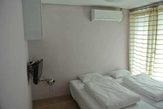 JJ Guesthouse: Twin Room