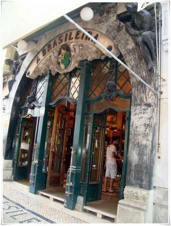 Cafe A Brasileira : Fachada de la puerta del café de los años 20