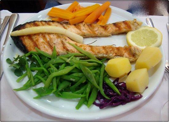Restaurante Marisqueira Concha D`ouro : Un almuerzo de pescado bien preparado.
