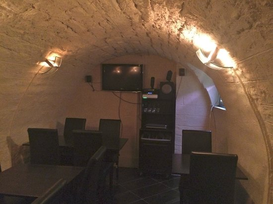 Cellar Restaurant: Another view of the cellar itself