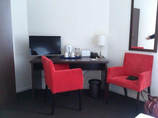 Sandton Hotel Eindhoven City Centre: Chambre