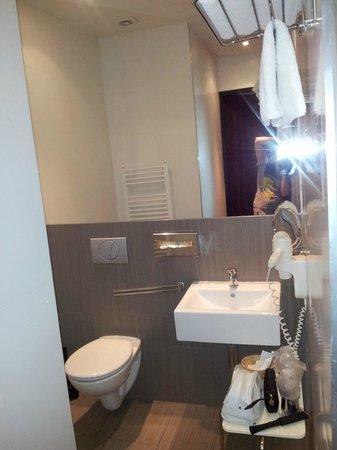 Hotel PurPur: Чисто, тепло, необходимые принадлежности присутствуют