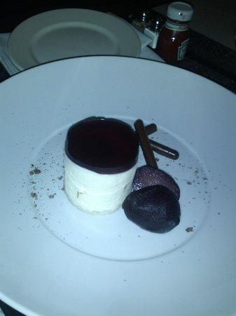 Hyatt Regency Vancouver: Chocolate Salted Pear cake, awesome!