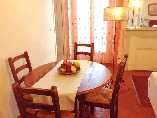 Appartements 7 Florian: Salle a manger