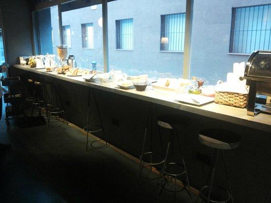 Chic & Basic Ramblas: il buffet della colazione
