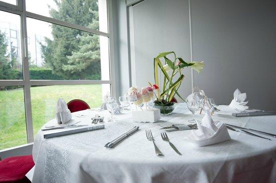 Mercure Annecy Sud : Notre table de mariage