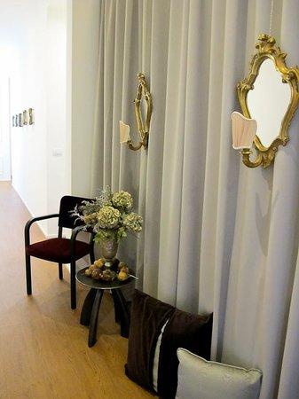Dimora Novecento Roma - Suite & Breakfast : enterance