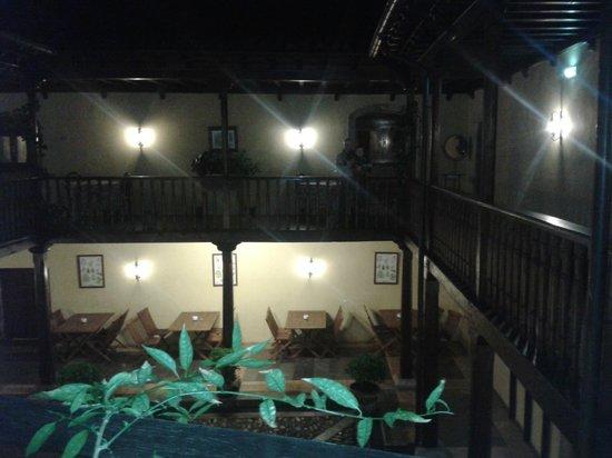 Castillo Valdes Salas: Corredor desde donde se accede a las habitaciones