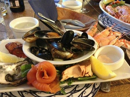 Harbour View Seafood Restaurant : seafood platter