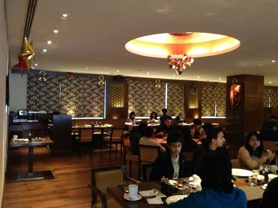 Hilton Garden Inn New Delhi / Saket: India Grill Restaurent