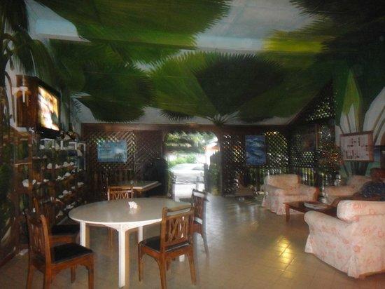 Kaz Kreol Restaurant & Beach Club: inside the restaurant 4
