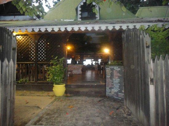 Kaz Kreol Restaurant & Beach Club: Main entrance 2