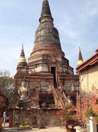 Nong Phok, Thailand: La pagoda principale
