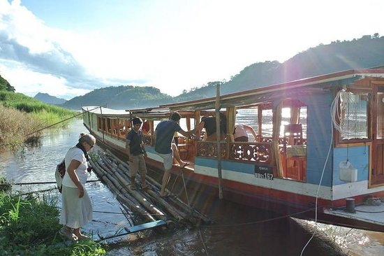 The Belle Rive Boutique Hotel: Wooden big boat for the Sunset sightseeing