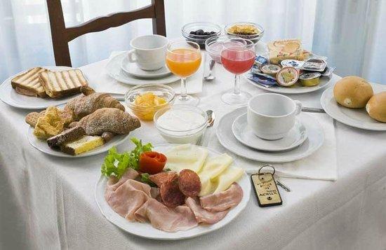 Hotel Acrux: Colazione