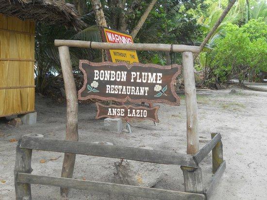 Bonbon Plume: Main entrance 2
