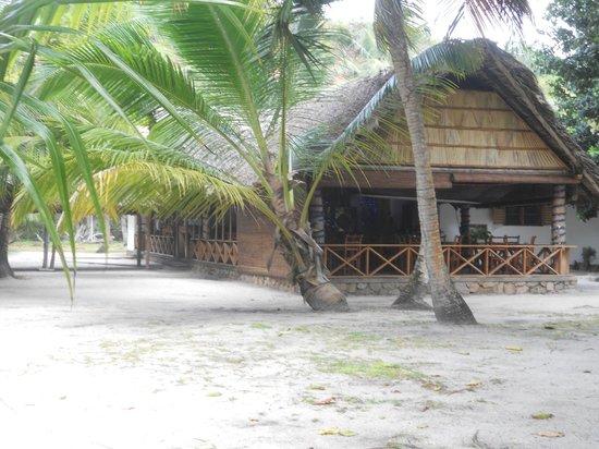 Bonbon Plume: Lateral restaurant view