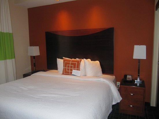 Fairfield Inn & Suites Baltimore Downtown/Inner Harbor: bed