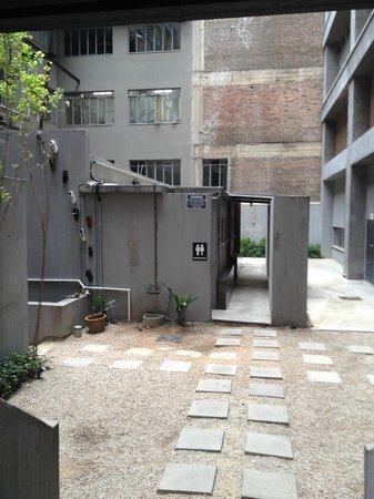 12 Decades Art Hotel: Washrooms on Ground Level
