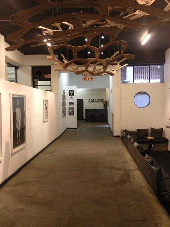 12 Decades Art Hotel: Entrance/Lobby