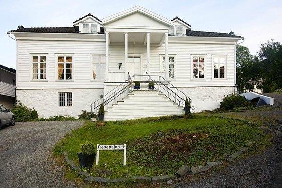 Photo of Fjordslottet Hotell Fotlandsvag