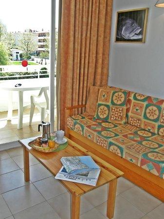 Apartaments Miami: SALA DE ESTAR