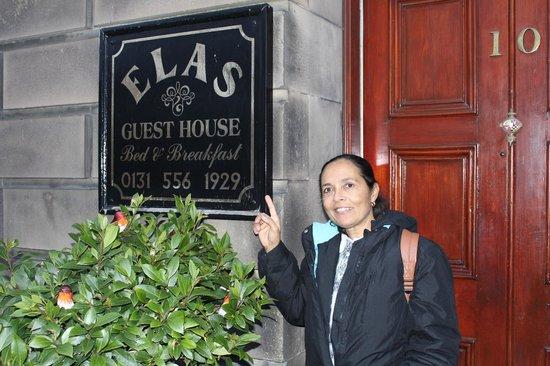 Elas Guest House: Em um lugar tranquilo, mas próximo ao centro.