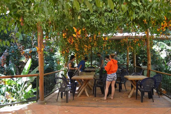 Hotel Reserva Natural Atitlán: Beautiful outdoor restaurant area