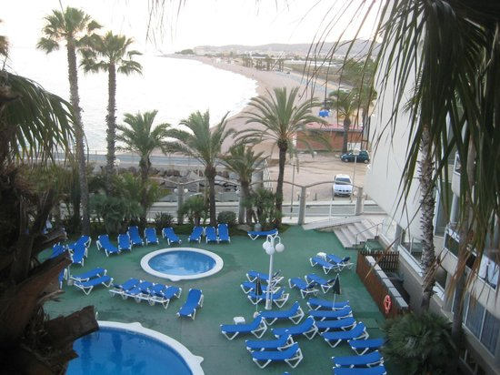 Hotel Caprici: View from room on the swimmingpool