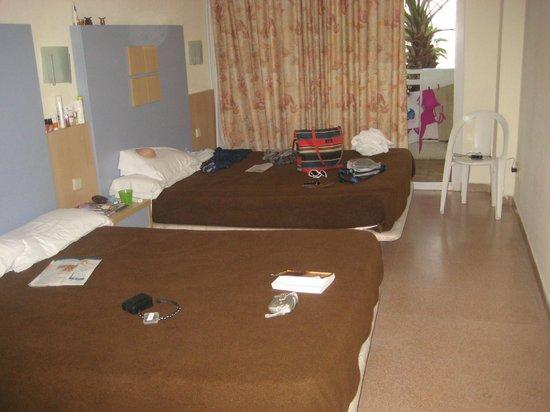 Hotel Caprici: Room