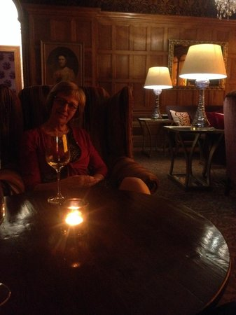 South Lodge Hotel : Relaxing with wine and coffee after the meal