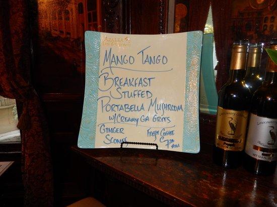 Azalea Inn & Villas: Posting each breakfast menu. Anticipation.