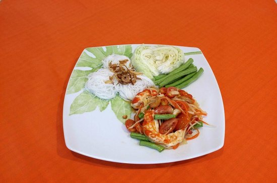 Orange Cafe: Som Tom with Noodles