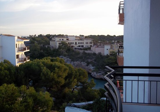 Hotel Cala Ferrera: The view from our hotel room balcony, 4th floor :)