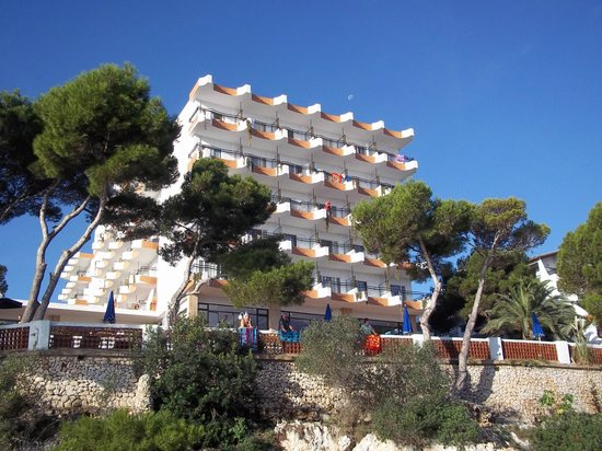 Hotel Cala Ferrera: The hotel :)