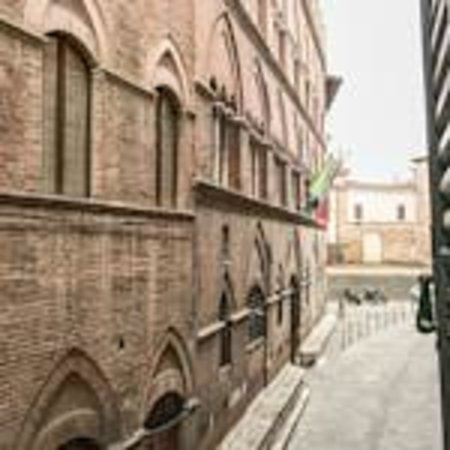 Bed & Breakfast Quattro Cantoni: Via San Pietro