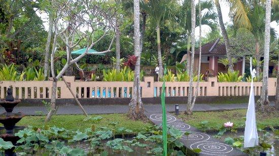 Saren Indah Hotel: View of breakfast patio