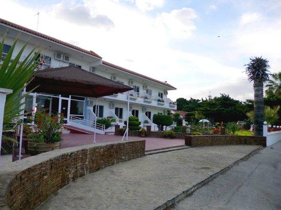 Asterias Hotel: Hotel Entrance