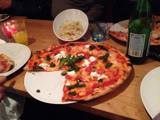 Follia: Best pizza ever!