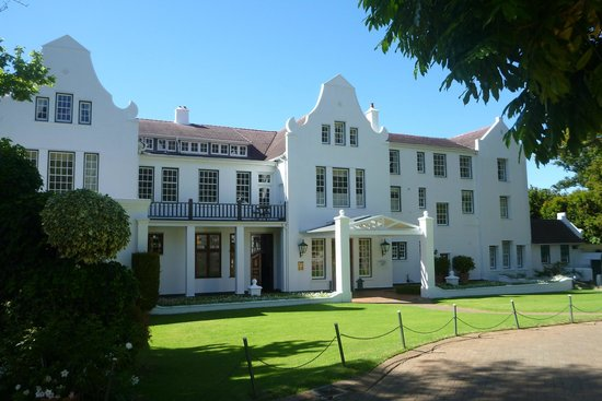The Cellars-Hohenort : A classy hotel in magnificent settings