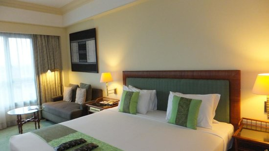 Melia Purosani: bed (room No. 559)