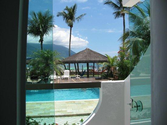 Valentina Praia Hotel : Vista da suite térrea...