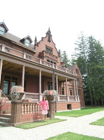 Ventfort Hall Mansion and Gilded Age Museum : Front view