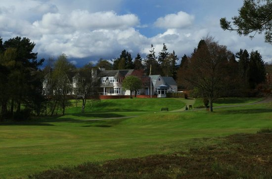 Blairgowrie Golf Club: View of Clubhouse from Lansdowne 1st