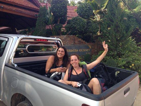 Khao Sok Las Orquideas Resort : entarda del hotel cuando Francisco nos llevaba en su ranchera al autobús , nosotras le pedimos a