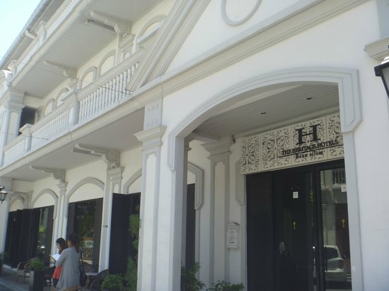 The Heritage Baan Silom: ホテル入口